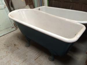 baignoire en fonte sur pieds