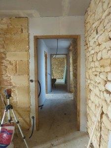 Couloir vers les chambres Marseille et Paris